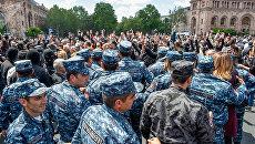 Ситуация на площади Республики в Ереване, Армения. 22 апреля 2018