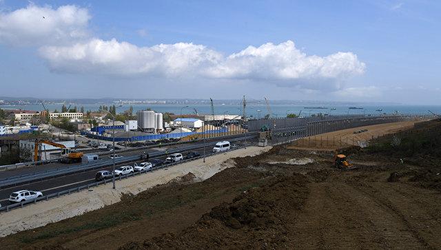 Видео строительства автоподходов к Крымскому мосту со стороны Керчи