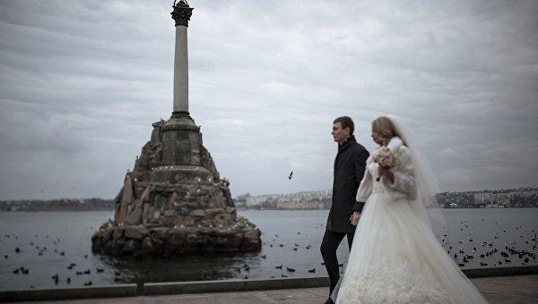 Севастопольцы чаще иных граждан России заключат браки