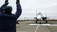 Один из самолетов Су-27 СМ, прибывший в расположение 62-го истребительного авиаполка 27-й смешанной авиадивизии ВВС России, базирующийся на аэродроме Бельбек под Севастополем